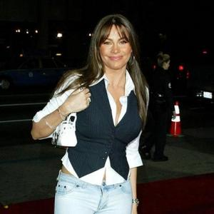 Young-looking Mother Sofia Vergara