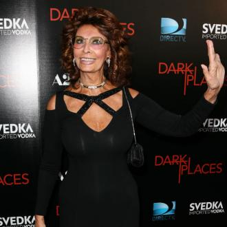 Sophia Loren dismayed by selfie culture