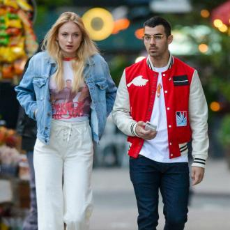 Joe Jonas and Sophie Turner's dog therapy