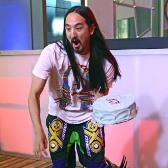 Steve Aoki has baking team