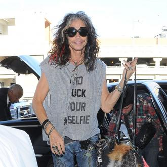 Steven Tyler sends support to Joe Perry after he collapsed