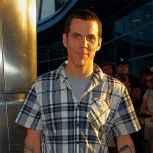 Steve-o Makes Plea To Ban Experimenting On Chimps