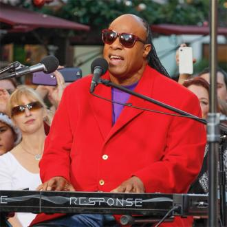 Stevie Wonder visits Aretha Franklin