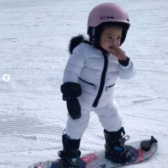 Kylie Jenner's daughter can snowboard