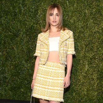 Suki Waterhouse likes getting to know people on set