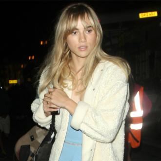 Suki Waterhouse has no clothes in LA