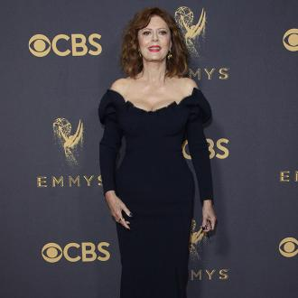 Susan Sarandon looks 'tired' in nude lipstick