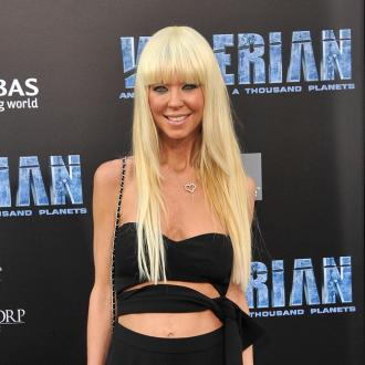 Tara Reid removed from a flight to New York