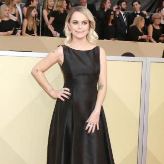 Taryn Manning loves friendly set
