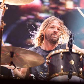 Taylor Hawkins praises Dave Grohl's drumming skills