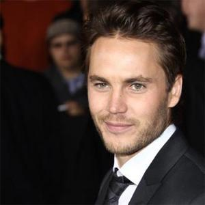 Taylor Kitsch Gives Dietary Help