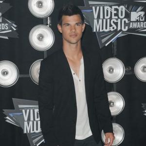 Taylor Lautner Admires Tom Cruise
