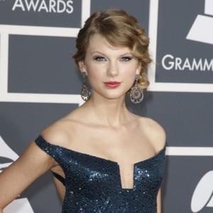 Taylor Swift Gets Fan Inspiration
