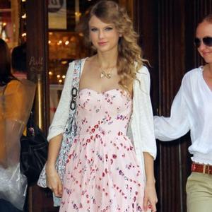 Taylor Swift Happy To Be In Public Eye
