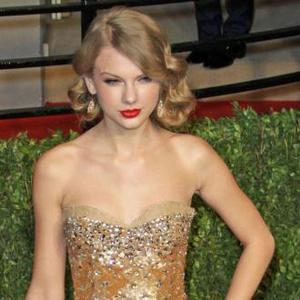 Taylor Swift Named Music's Top Earner Of 2011