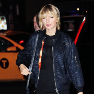 Taylor Swift house-hunting in London's Chelsea area