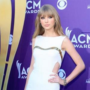 Taylor Swift Avoids Internet Gossip