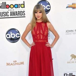 Taylor Swift Likes 'Classic' Fashion