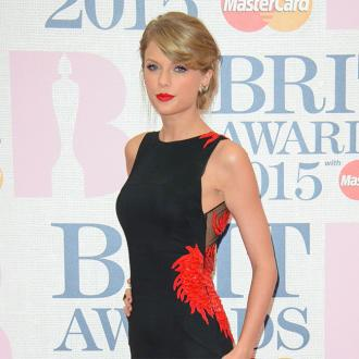 Taylor Swift Organises 500 Pizzas For Foster Kids