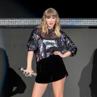 Taylor Swift adds 2 dates to Reputation Tour