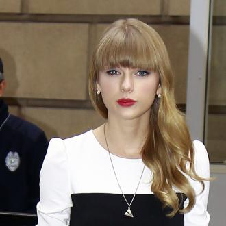 Taylor Swift Buying London Home