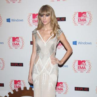 Taylor Swift: 'I Only Talk To My Friends About Boys'