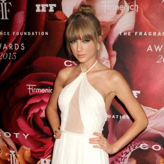 Taylor Swift's Perfume Captures 'Personality'