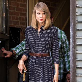 Taylor Swift Struggles With Insecutiry