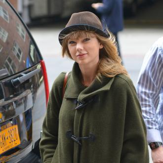 Taylor Swift Wants Travel Over Romance