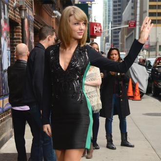 Taylor Swift: I Want To Write Poetry