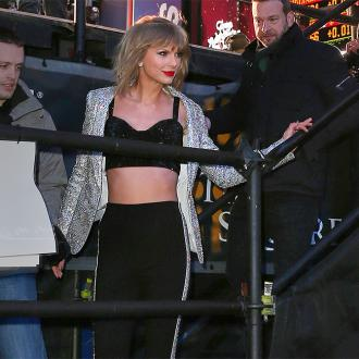 Taylor Swift Is Writing Songs With Calvin Harris