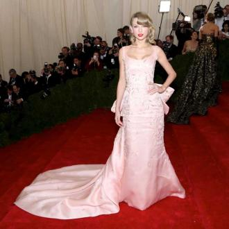 Taylor Swift to host Met Gala 2016
