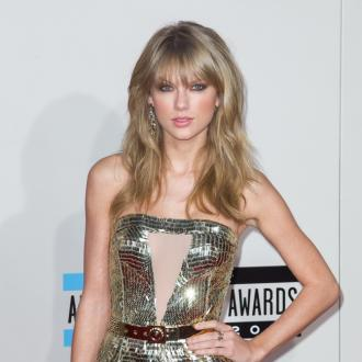 Taylor Swift Ignores Harry Styles At Amas