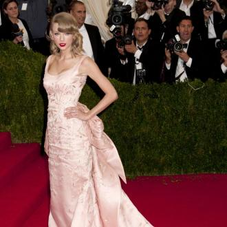 Taylor Swift in Met Gala cat attack