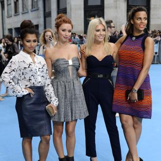 The Saturdays weigh in on Kim Kardashians 'selfie'