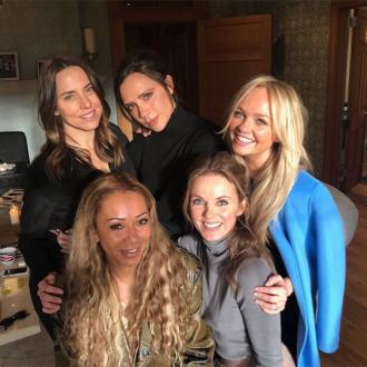 Victoria Beckham will sing with Spice Girls