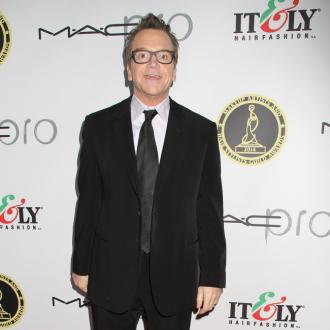 Tom Arnold to be dad again