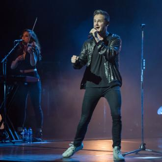 Tom Chaplin's heartfelt tribute to family at London gig