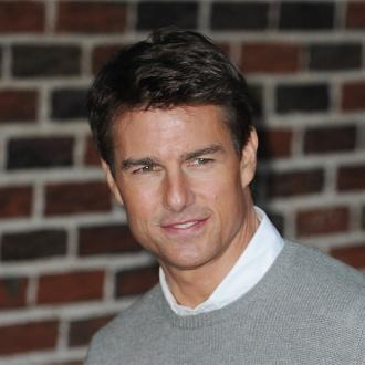 Tom Cruise Romancing Jennifer Akerman