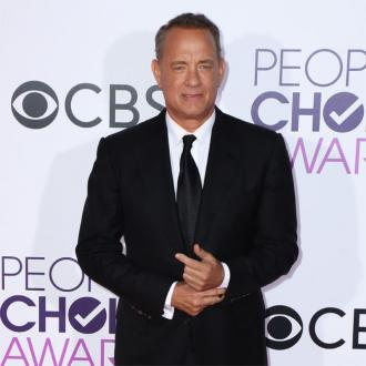 Tom Hanks buys fans' food at fast food drive-thru