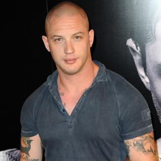 Tom Hardy Injures Ankle