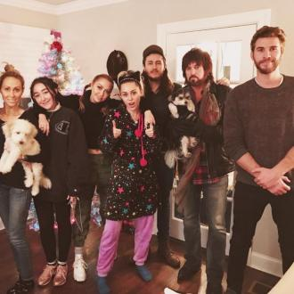 Liam Hemsworth to spend Christmas with Miley Cyrus' family