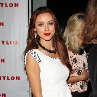 Una Healy Cross At Messy Husband