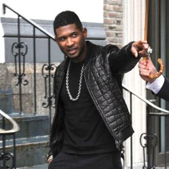 Usher performs at Micahel Jordan's wedding