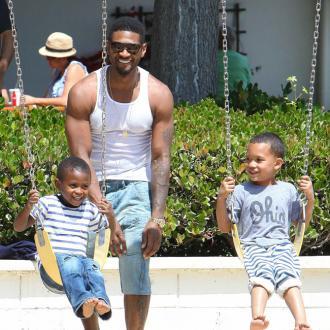 Usher's Sons Love FiancéE