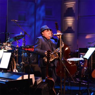 Van Morrison quits smoking for voice