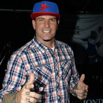 Vanilla Ice's Flight Drama As Plane Is Quarantined