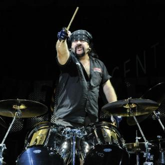 Pantera's Vinnie Paul Dies