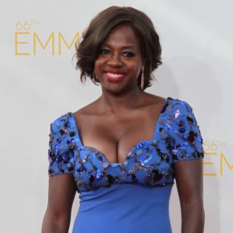Viola Davis calls for race pay gap to be closed