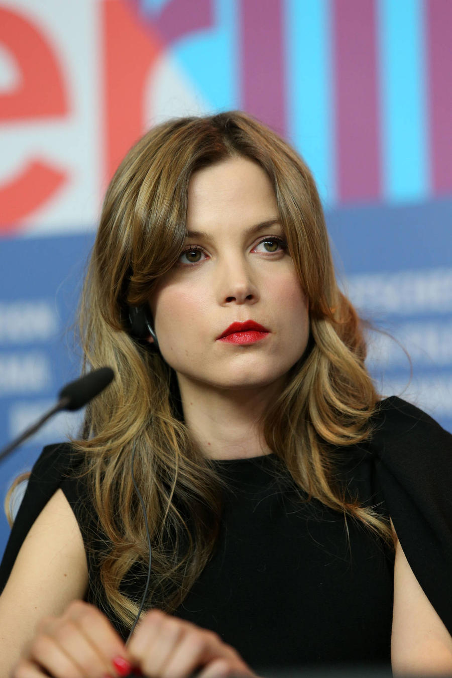 Dutch Star Sylvia Hoeks Joins Blade Runner Sequel